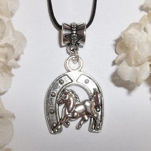 Silver Horse & Horseshoe Necklace Set Gift 5407